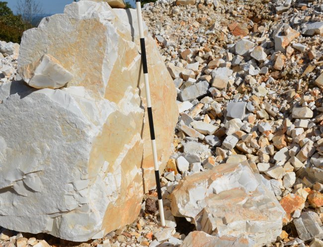 Novaculite as Whetstone Rock