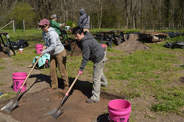 Emily Beahm (ARAS-WRI) and volunteer Karen Johnson shovel skimming at the Taylor House (Hollywood Plantation) during a spring break dig.