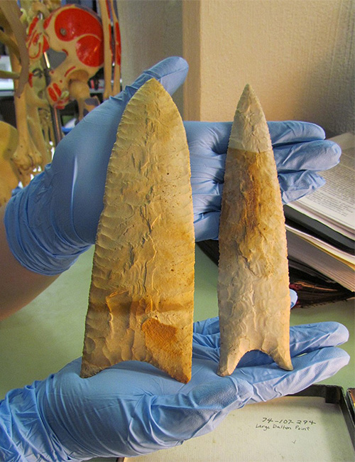 Sloan bifaces recovered from AAS excavations at 3GE94. The larger of the two is one of the smallest of all currently reported Sloan bifaces in the Mississippi Valley.
