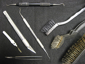Figure 2. Instruments used in cleaning and metal conservation.