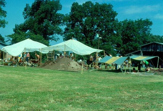 The 1977 University of Arkansas field school was held at Toltec Mounds.