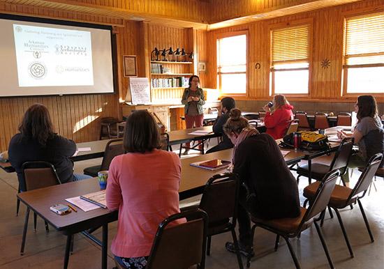 Jodi Barnes introduces a GGA curriculum Teacher Workshop at WRI.