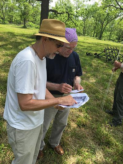 Jami Lockhart (left) during NPS workshop at Pea Ridge.