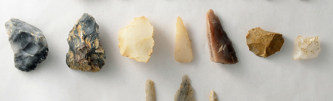 Comparing Two CaddoMounds: The Chipped Stone Artifacts