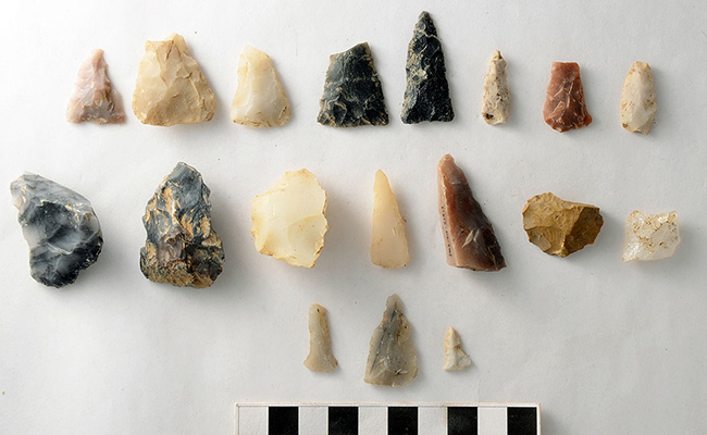 Chipped stone artifacts from 3SA11 included bifacially-chipped pieces of novaculite, chert, and quartz. Thin triangular point preforms and small bifacial drills were identified at both sites.