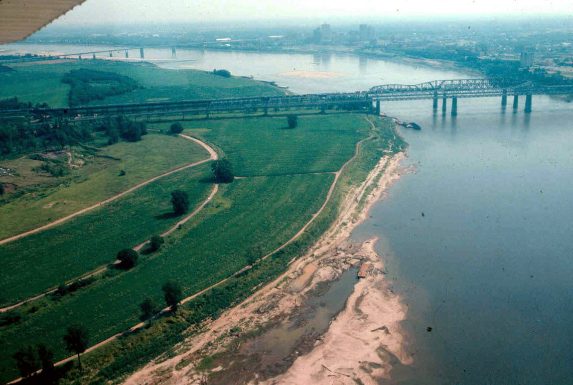 Aerial view of the Boatwrecks site, 3CT243, looking upstream toward the Interstate-55 bridge. The sandy area of exposed wreckage is in the foreground.