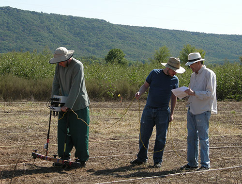 Duncan McKinnon, John Samuelsen, Jami Lockart with GPR at Carden Bottoms site in central Arkansas, 2013, where house outlines, hearths, and other features were discovered underground.