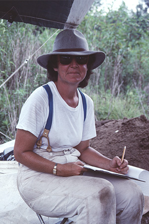 Ann Early at the 1987 Society Dig (3OU112).